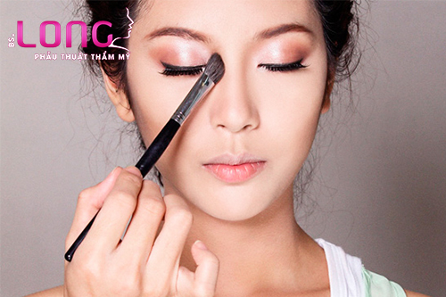 meo-make-up-giup-nang-song-mui-cho-co-nang-mui-tet